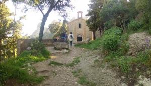 Acceso a la ermita de Sant Benet